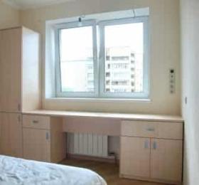 Шкафы с письменным столом в спальню